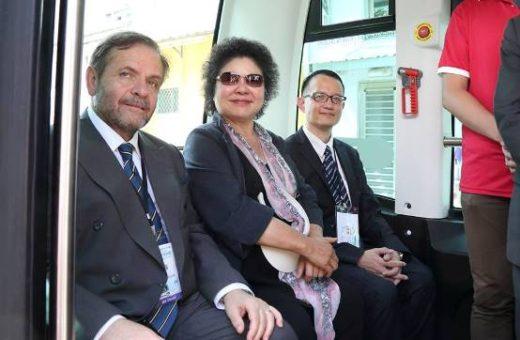 small2_ Giuseppe Izzo, LCI Representative, taking the driverless buss with Mayor Chen Chu